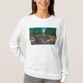 Modell-t Fords auf Kearney AvenueFresno, CA T-Shirt
