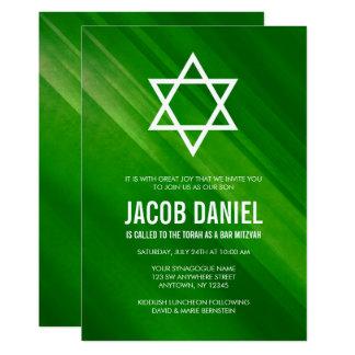 Moderne grüne Grunge-Bar Mitzvah Einladungen