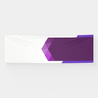 Moderner lila Fahnen-Entwurf für Netz und Druck Banner
