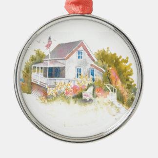Monhegan Hütte J Kilburn Rundes Silberfarbenes Ornament