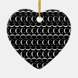 Monogramm-Anfangsmuster, Buchstabe C im Weiß Keramik Ornament
