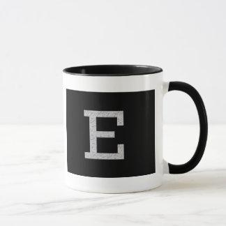 Monogramm-Buchstabe E Tasse