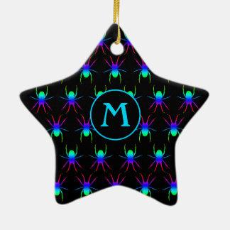 Monogramm-Regenbogenspinnen auf Schwarzem Keramik Ornament