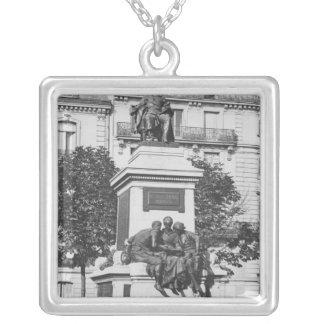 Monument zu Alexandre Dumas Pere, 1883 Halskette Mit Quadratischem Anhänger