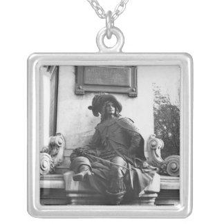 Monument zu Alexandre Dumas Pere, d'Artagnan Halskette Mit Quadratischem Anhänger