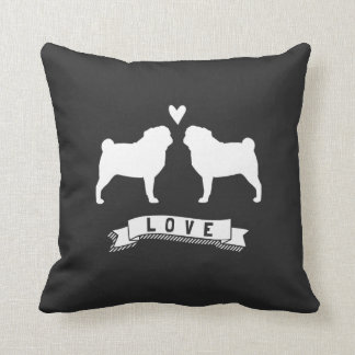Mops-Liebe - HundeSilhouetten mit Herzen Zierkissen