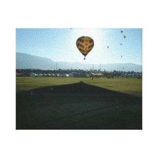 Morgens im Ballon aufsteigen Gespannter Galeriedruck