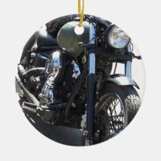 Motorrad im Parkplatz. Draußen Lebensstil Keramik Ornament