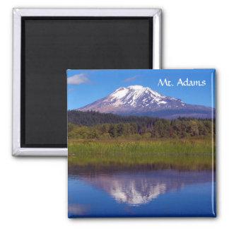 Mt. Adams vom Trout See Quadratischer Magnet