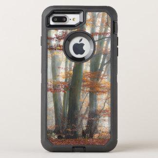 Mystischer nebeliger Waldlandschaftliches OtterBox Defender iPhone 8 Plus/7 Plus Hülle
