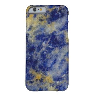 Nah oben von einem blauen Sodalite Barely There iPhone 6 Hülle
