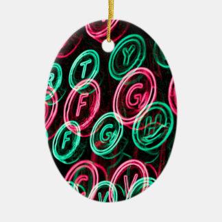 Nahes hohes der Neonschreibmaschinenschlüssel Ovales Keramik Ornament