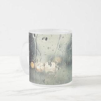 Nasse Fenster-Straßenansicht Mattglastasse
