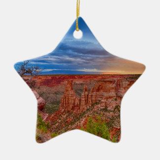 Nationales Monument-Abends-Stürme Colorados Keramik Ornament
