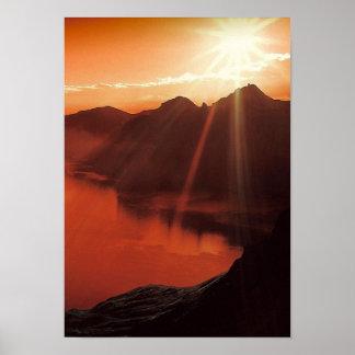 Natur-roter Sonnenuntergang-Bergscenery See Poster