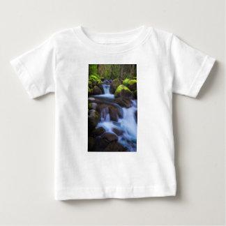 Nebelhafter Nebenfluss Baby T-shirt