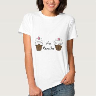 Nette kleine Kuchen! Shirts