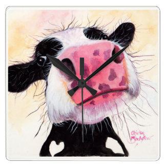 """Neugierige Kuh """"Betty-Blaubeere"""" durch Shirley Wanduhren"""