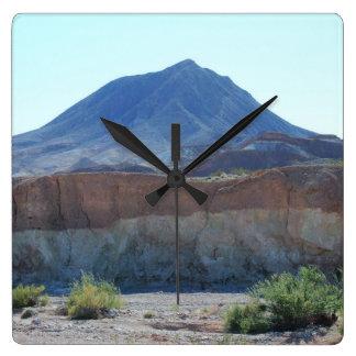 Nevada-Berge Quadratische Wanduhr