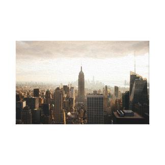 New York unter einer Wolke Gespannte Galeriedrucke
