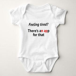 Nickerchen-APPgeek-Spaß des Gefühls müder Baby Strampler