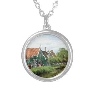 Niederländisches Windmühlendorf Halskette Mit Rundem Anhänger