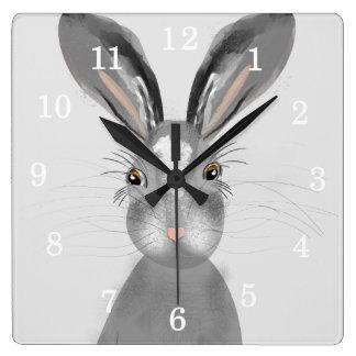 Niedliche graue Hase-Whimsy Illustration Quadratische Wanduhr