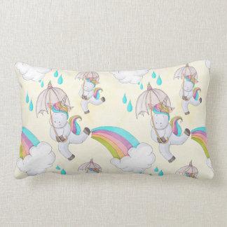 Niedliche Hand gezeichnetes Unicorn-Muster Lendenkissen