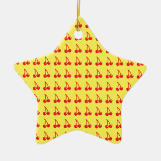 Niedliche Kirschen auf Gelb Keramik Stern-Ornament