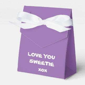 Niedliche lila LIEBE SIE SWEETIE xox Geschenkschachtel