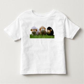 Niedliche Schafe im T - Shirt des