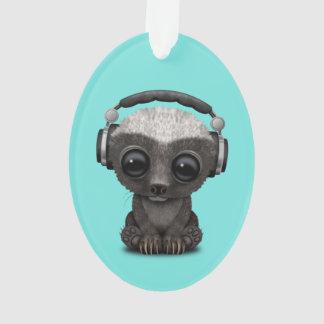 Niedliche tragende Kopfhörer Baby-Honig-Dachs-DJ Ornament