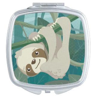 Niedlicher BabySloth auf einer Niederlassung Taschenspiegel