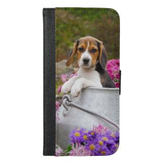 Niedlicher Beagle-Hundewelpe in einer Milchkanne - iPhone 6/6s Plus Geldbeutel Hülle