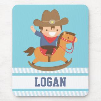 Niedlicher glücklicher kleiner Cowboy auf Mousepad