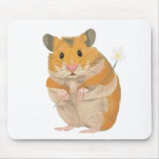 Niedlicher kleiner Hamster, der eine Blume hält Mauspads