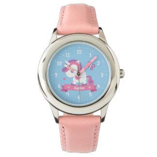 Niedlicher Unicorn mit Armbanduhr