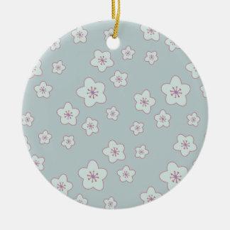 Niedliches blaues Kirschblüten-Pastellmuster Rundes Keramik Ornament