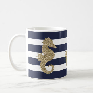 Niedliches GoldSeepferd auf Marine/weißer Tasse