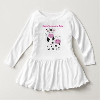 Niedliches Kleinkind-Rüsche-Kleid/glückliche Mama Kleid