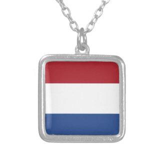 Niedrige Kosten! Karibische niederländische Flagge Versilberte Kette