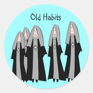 """Nonnen-""""alte Gewohnheits-"""" unglaublich witzig Runder Aufkleber"""
