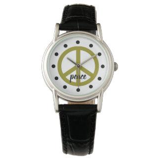 Olivgrünes Grün-Friedenssymbol personalisiert Uhr