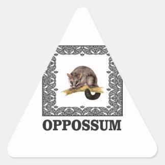 opa Opossum Dreieckiger Aufkleber