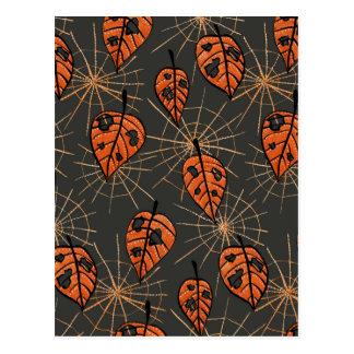 Orange Herbst-Blätter und Spiderwebs Muster Postkarte