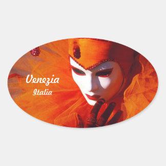 Orange Kostüm am Karneval von Venedig, Italien Ovaler Aufkleber