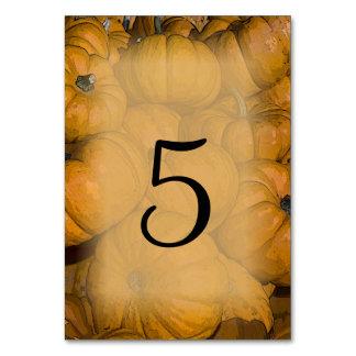 Orange Kürbis-Hochzeit im Herbsts-Tischnummern Karte