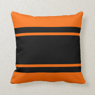 Orange schwarzes Rennen-Streifen addieren Kissen