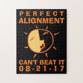 Orange Sun und Mond-Eklipse-perfekte Ausrichtung Puzzle