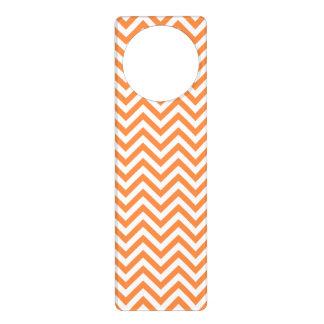 Orange und weißer Zickzack Stripes Zickzack Muster Türanhänger